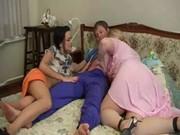 Смотреть порно русских молодых мамочек